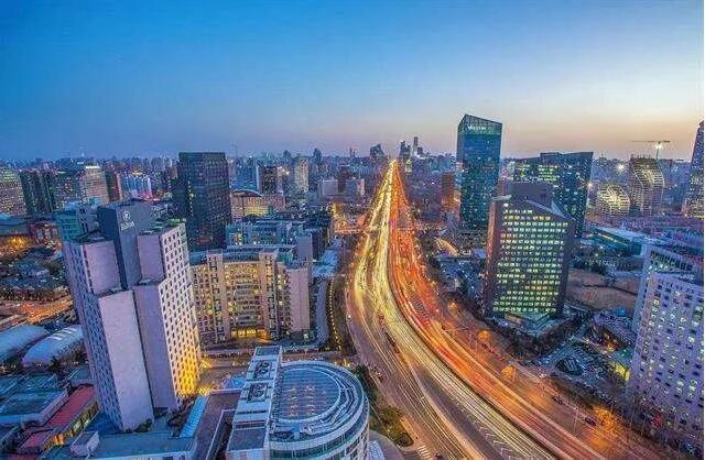 """根据2020年《徐州市城市总体规划》,未来徐州城将形成""""一主六片""""总体布局结构,""""六片""""即城南片区、机场片区、大许片区、贾汪片区、微山湖风景旅"""